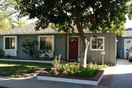 Stunning updated Northridge home - Los Angeles - Haus
