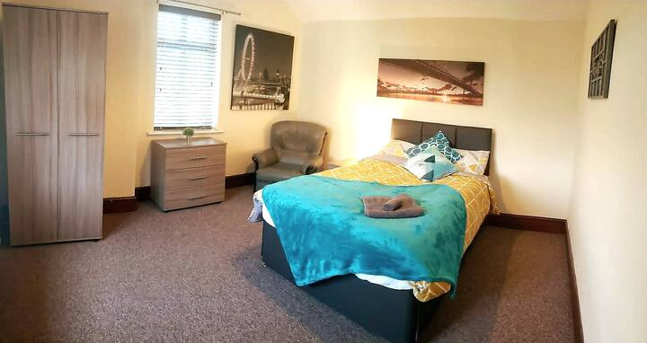 Kettering Private rooms for mid/long term stay.