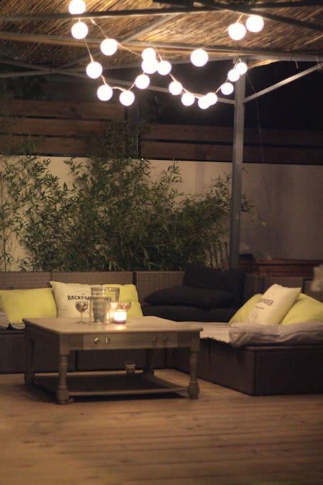 terrasse en bois avec salon