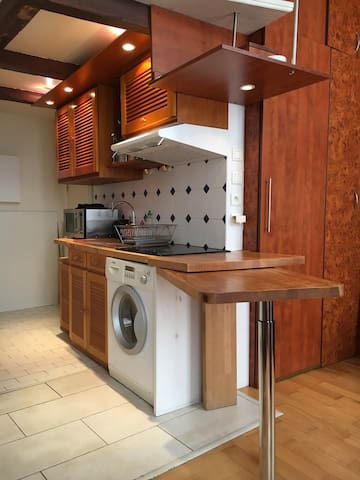 Charming and practical Studio in the Marais