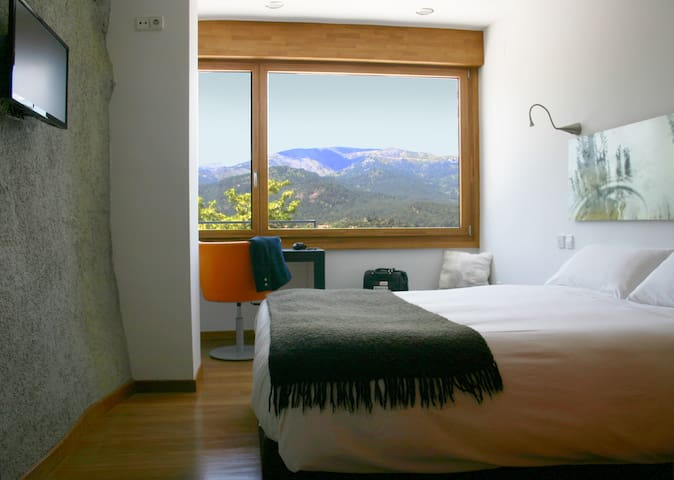 Double room with view - El Barraco - Aamiaismajoitus