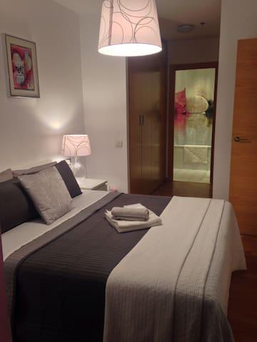 Apart. Moderno Pl. Europa - L'Hospitalet de Llobregat - Appartement