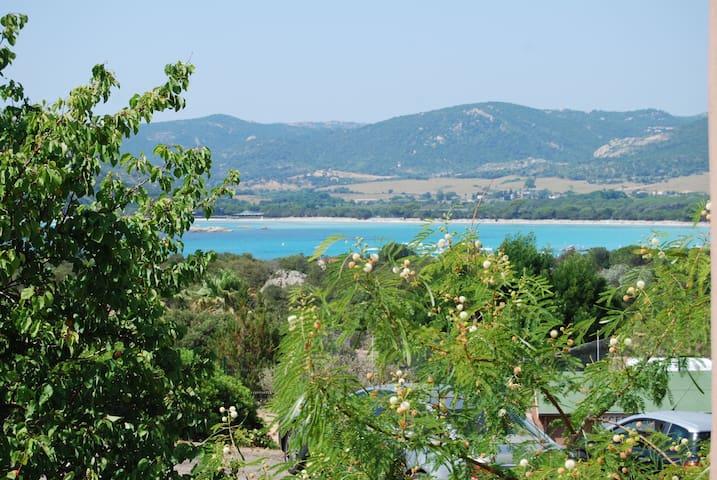 Mini villa à Santa Giulia, proche des plages