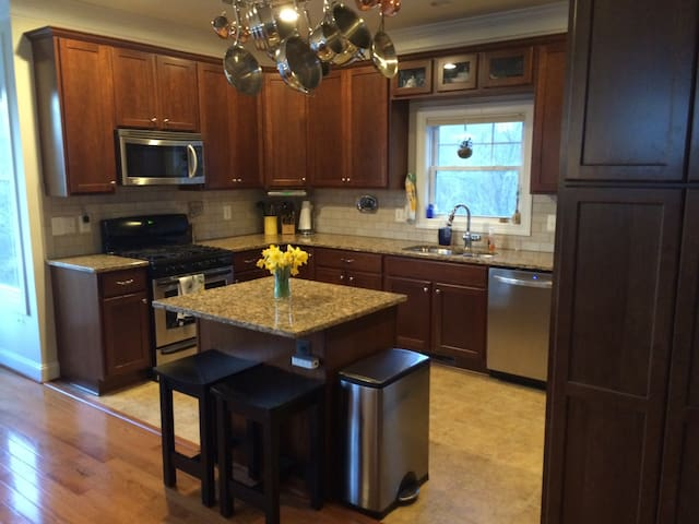 Spacious, fully equipped chef's kitchen