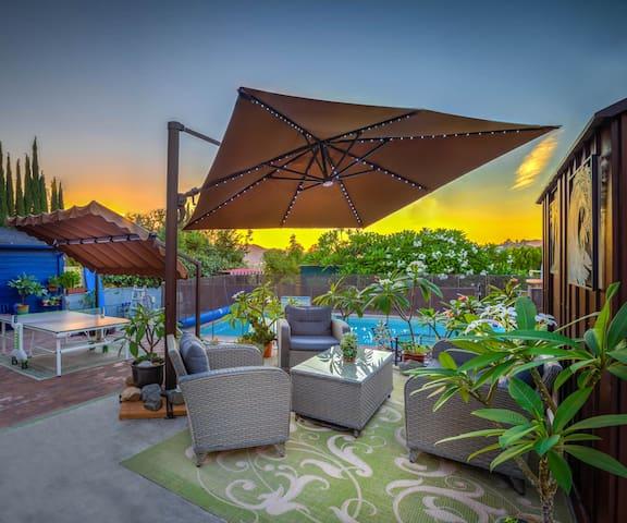 Cool LA Home w/Views and Pool