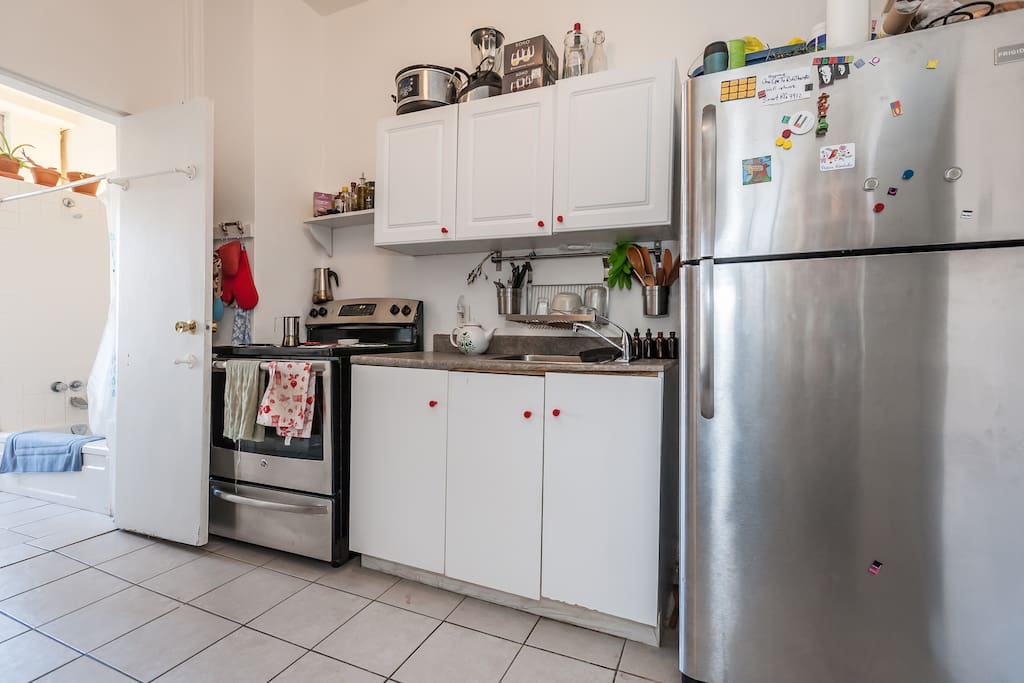 Stainless steel appliances, slow cooker, blender etc can all be used