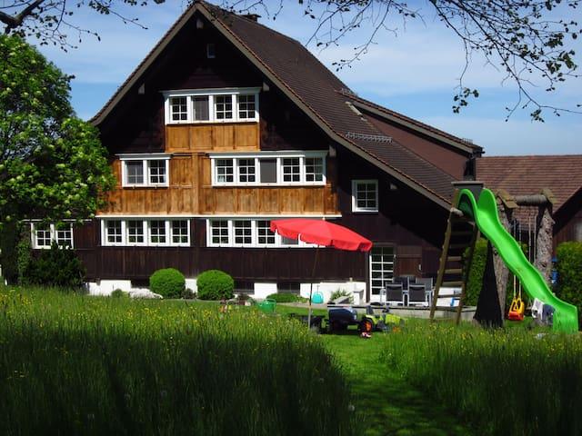 Romantische Ferienwohnung im Toggenburg