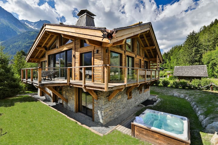 Black Stone luxury Chalet - Pool, sauna & jacuzzi
