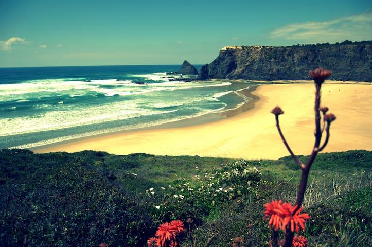 """Beach Odeceixe """"Casa da Praia I"""" Costa Vicentina - Odeceixe - Ev"""