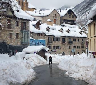 FENOMENAL SALLENT DE GALLEGO/FORMIGAL pistas esqui - Sallent de Gállego