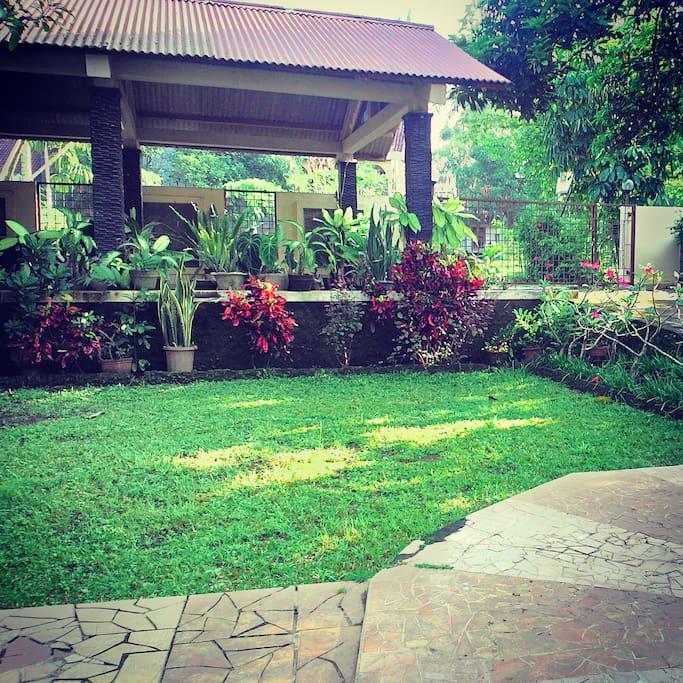 Taman halaman depan