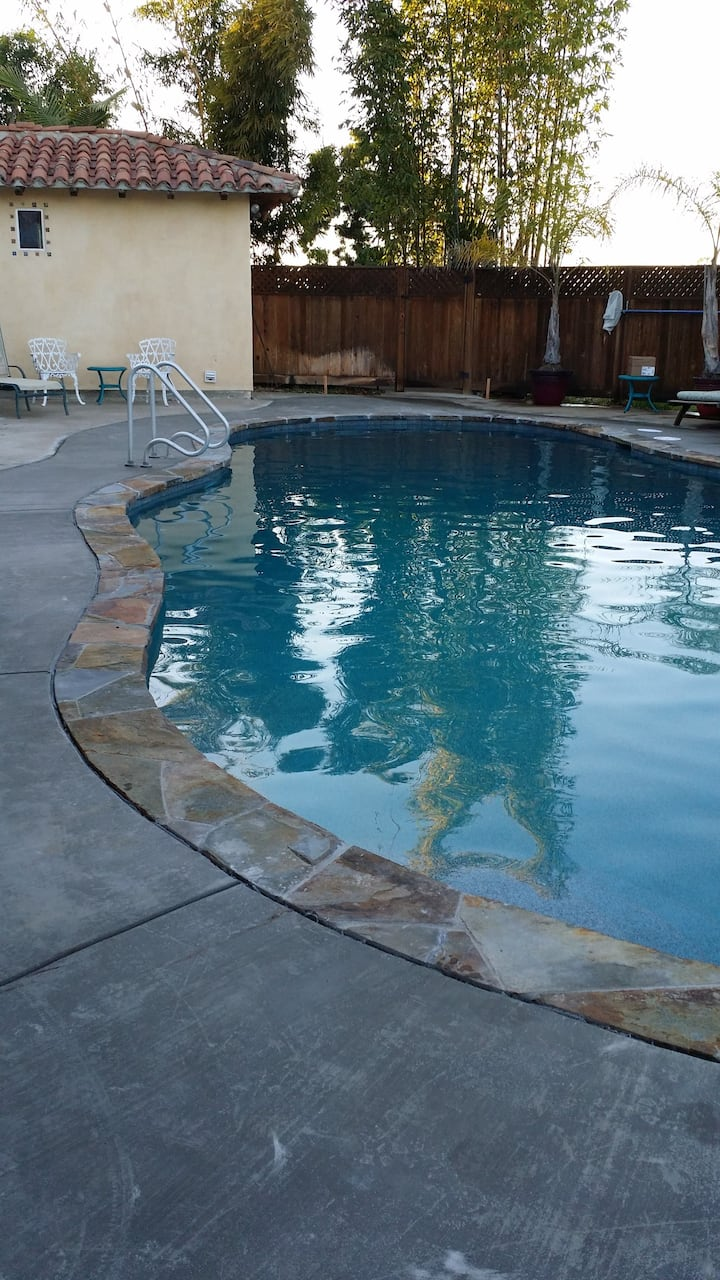 The Casita☀️ Pool & BBQ  1-2 Rooms North San Diego
