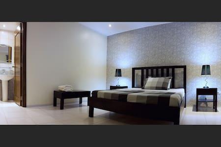 Victoria's Bed & Breakfast - Puerto Galera - Penzion (B&B)