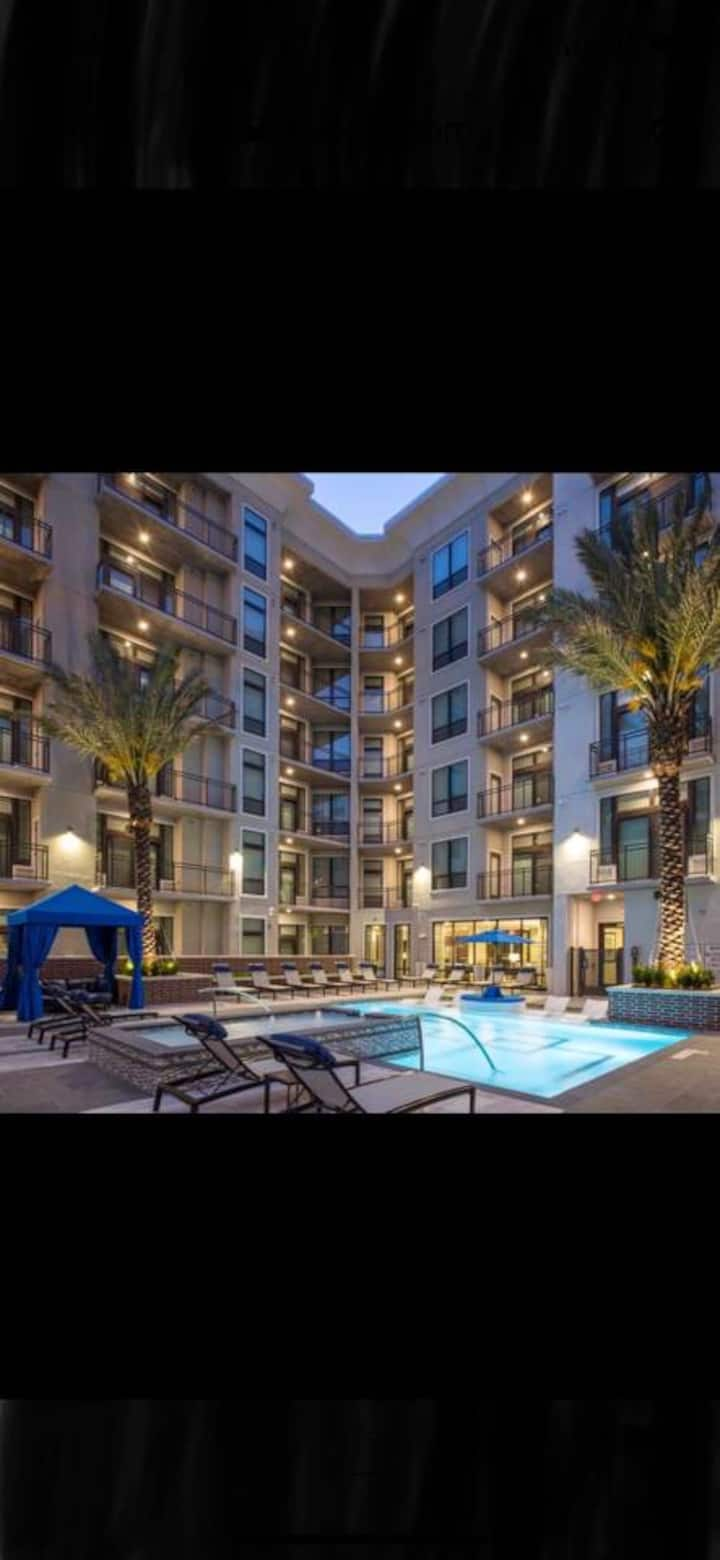 Luxury apt,your Medical center home away from home