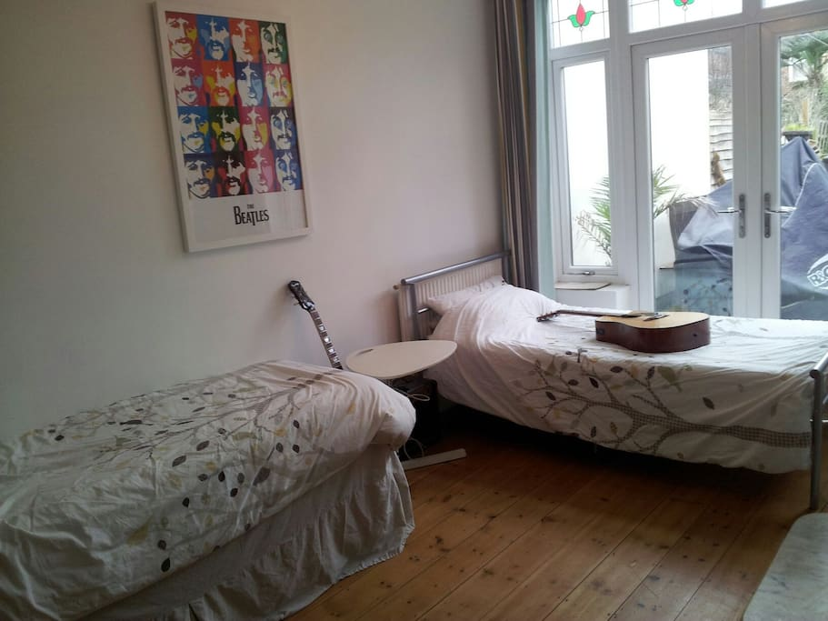 Room 1. Your room:-) Can be a single (I remove bed) This is the Sunny Double Bedrrom