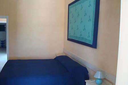 Bilocale RoomCafè - Torre Lapillo - Apartemen