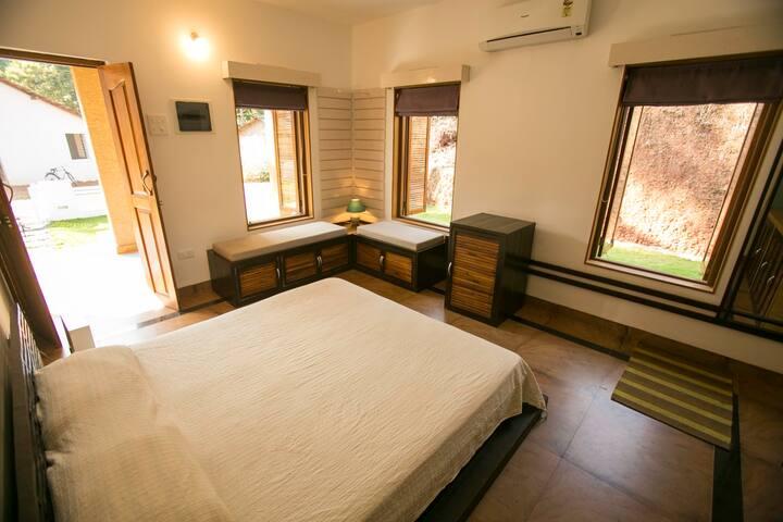 River view Studio Apartments, Talpona beach. Bedroom / Living Room.
