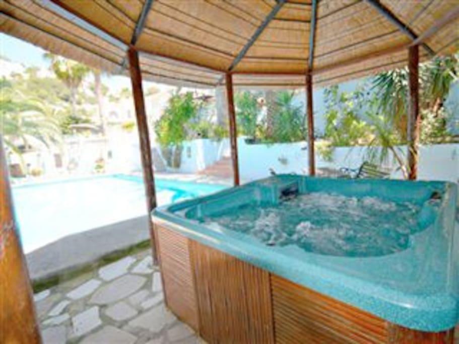 Family Size Hot Tub