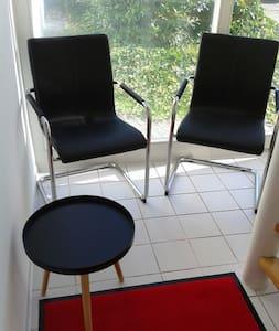 Sonnige modern eingerichtete Studio-Wohnung - Gäufelden - Condominium - 2
