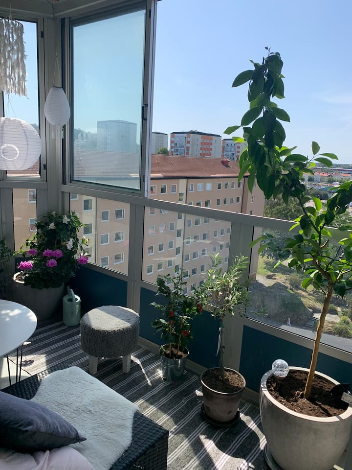 Private room in a apartment on Hisingen center