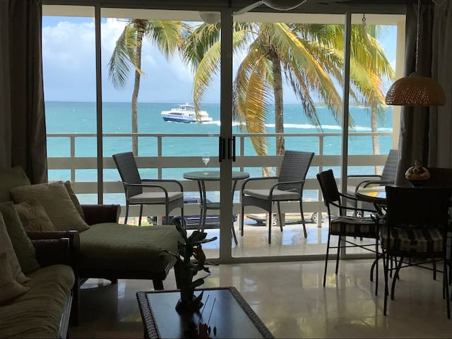 BEST in Fajardo!! Stunning OCEANFRONT studio!!!