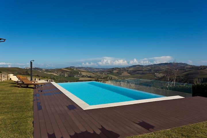 Casa con piscina, Villa cerqueto
