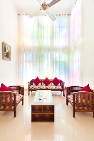 Deluxe Room - Nithra Mahindra City - Singaperumal Koil - Villa