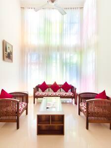 Deluxe Room - Nithra Mahindra City - Singaperumal Koil - Vila