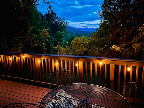 Mistletoe Mountain Cabin-hot tub, VIEW, large cabin