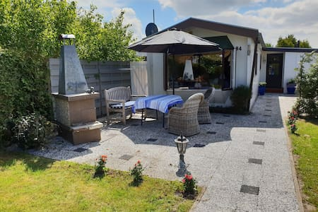 Spacious Chalet not far from Amsterdam and Beach