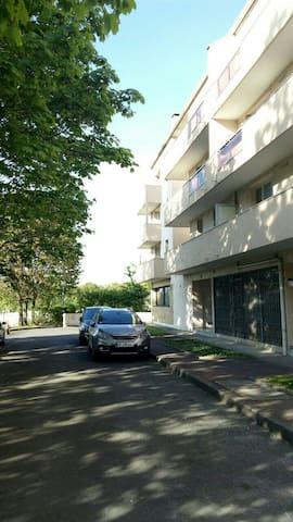 Espace partagé mezzanine ds Dupleix Bureau 44m2 - Boissy-Saint-Léger - Loft