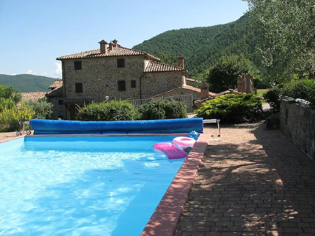 Stella spendid flat x 4 with pool in a farmhouse