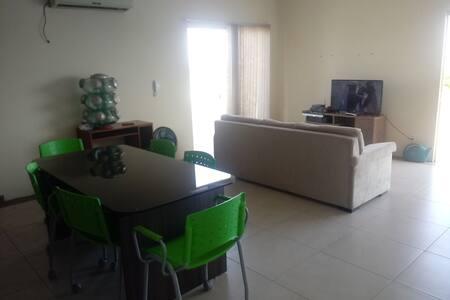Apartamento cobertura 3 quartos c sky e internet