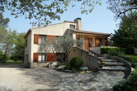 Appartement Gréasque proche Aix-en -Provence - Gréasque