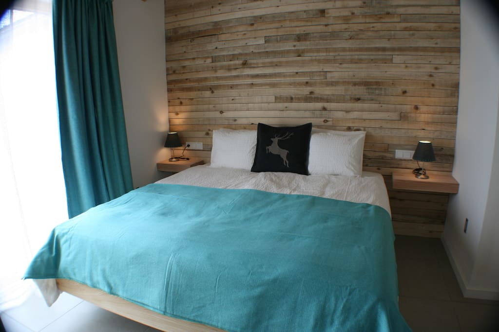 Master bedroom with Austria twin bed (Room sleeps 2)