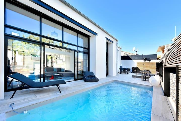 Villa d'architecte avec piscine & jacuzzi à Mornac