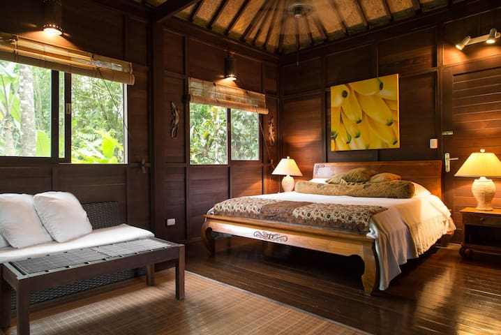 Casa Rica ~ Private Retreat ~ Tropical Gardens