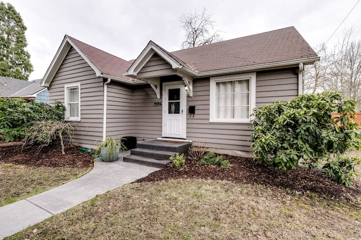 Charming Bungalow in heart of Eugene