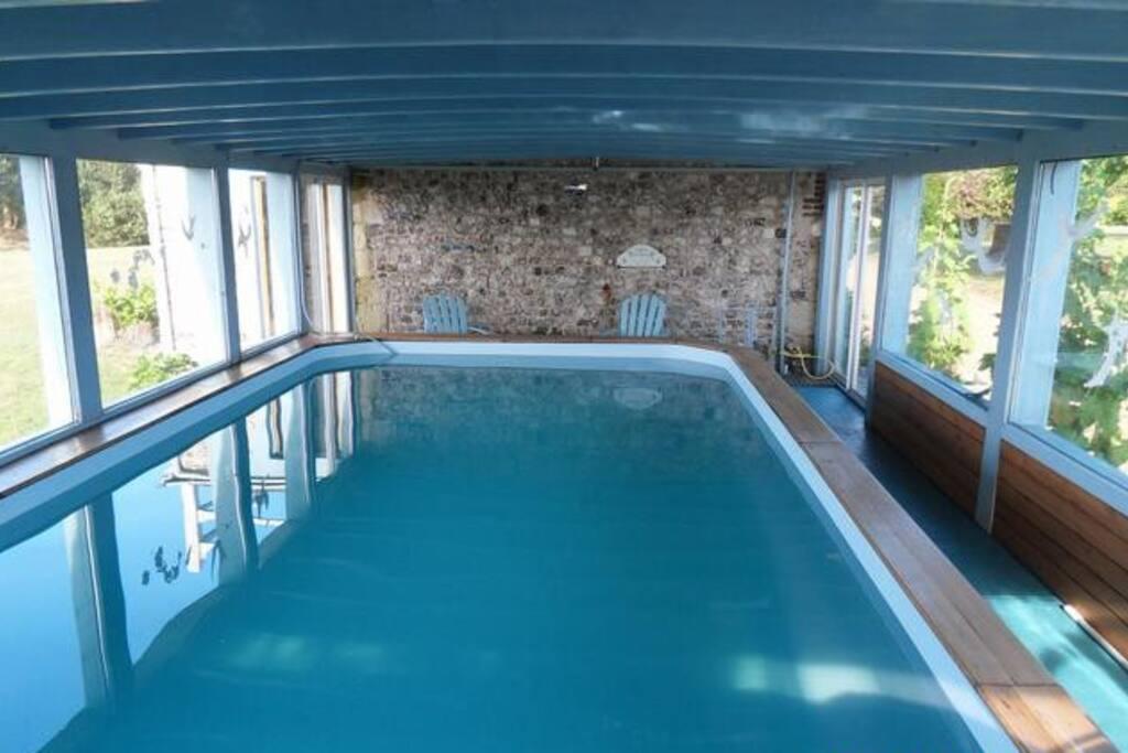 Vue mer piscine couverte chauff e f camp etretat houses for Piscine de fecamp