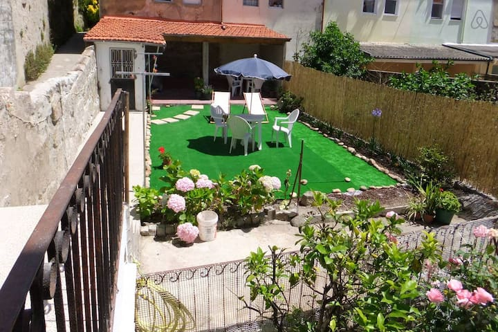 Apartment with garden close to the historic center