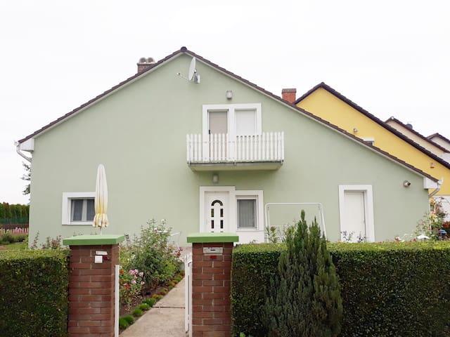 Cserje apartman Velence