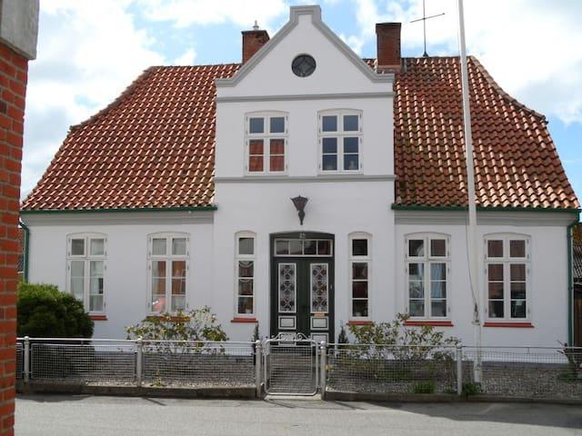 Cozy old house in Højer - Højer - Casa