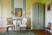 Suite du Château avec salle de bain privative. Lit de 200 x 200