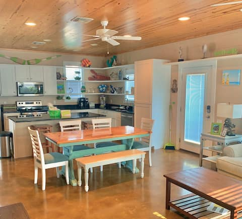 Living the Lime Life at Limes A Beach 🍈🏖4BR/ 2.5BA