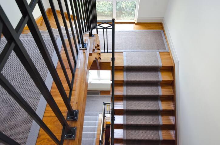 Escalier du Château accès 2ème étage.