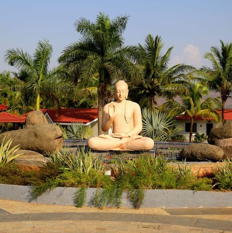 Hill Crest Farm stay with all meals at Lonavala