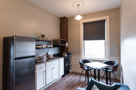 "Beautifully restored 1BD/1BA, ""Ice""Main St Clarion"