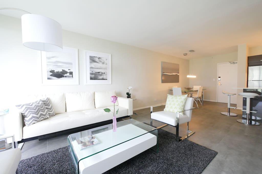 amazing living area w sleeper sofa