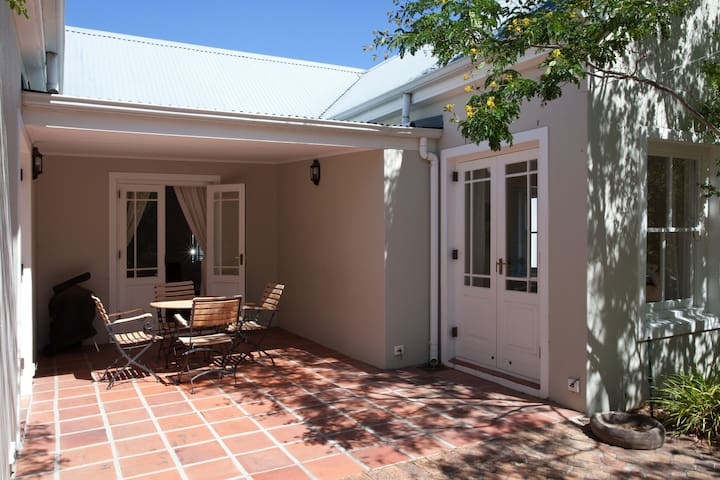 Cottage on residential wine estate - West Coast Peninsula