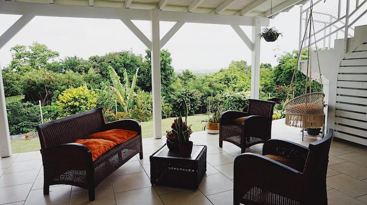 Villa Tropicale - avec vue et jardin exotique
